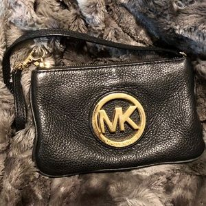 MICHAEL KORS Leather Wristlet